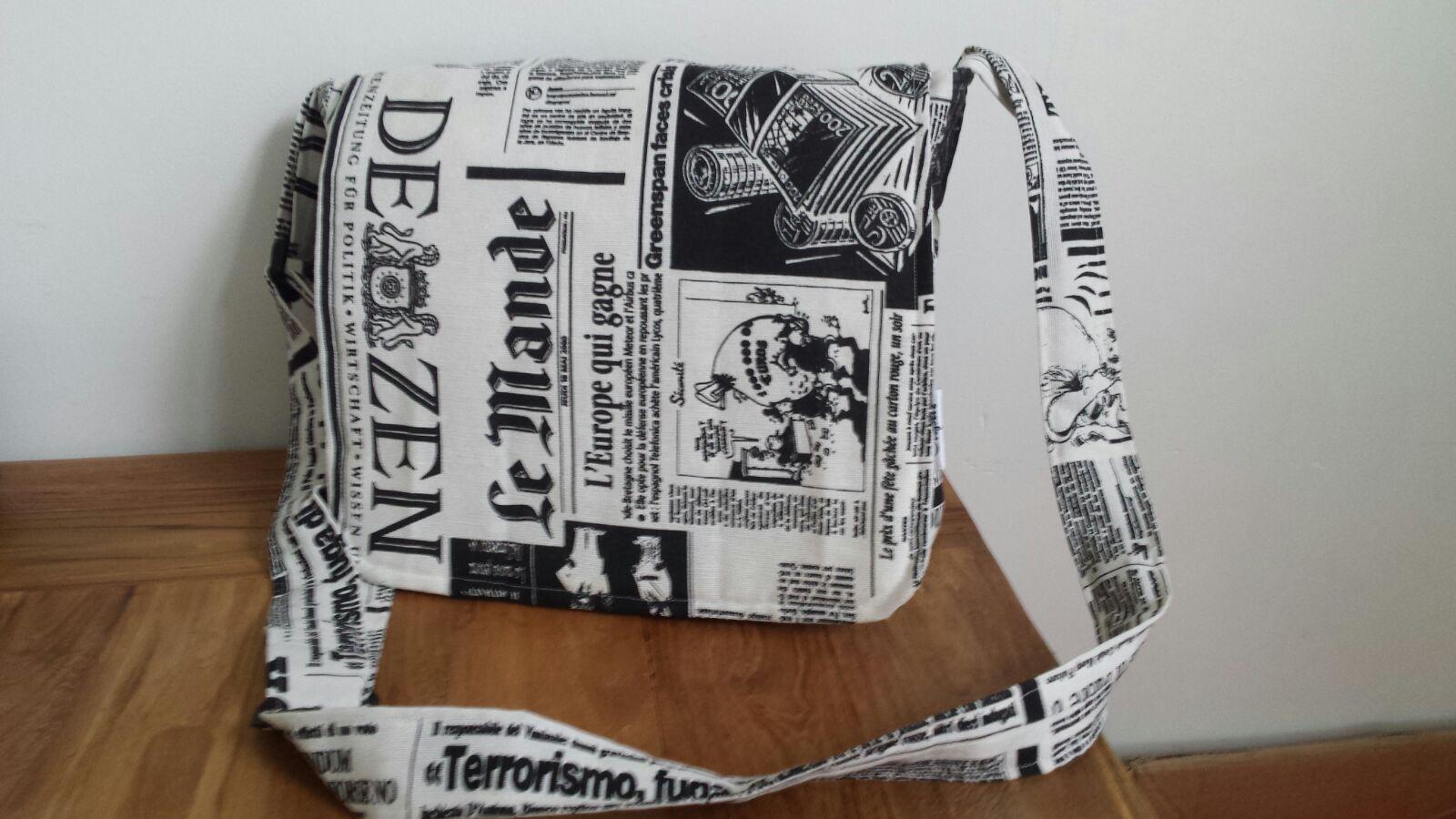 Tas gemaakt van toneelkleding; toneelstuk: Titanic